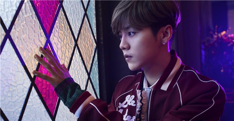致爱 your song   问了很多歌迷,关于她们最喜欢的鹿晗的歌曲.