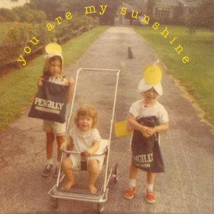 You Are My Sunshine(热度:53)由韤汬鷐翻唱,原唱歌手Elizabeth Mitchell