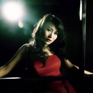 萍聚(热度:14)由陶勋天平山人翻唱,原唱歌手程罕华