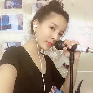 拥抱你离去(DJ版)(热度:75)由不忘初心翻唱,原唱歌手小曼