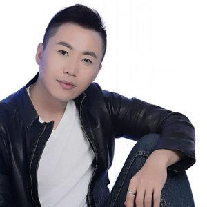 想你想到心里头(热度:78)由明月心翻唱,原唱歌手杨浩龙