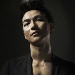 姑娘(热度:166)由洋冰翻唱,原唱歌手陈楚生