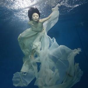 红山果(热度:79)由快乐女神翻唱,原唱歌手曹毛毛曹