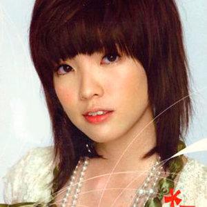 当你孤单你会想起谁(热度:89)由暖风昔人翻唱,原唱歌手郭美美