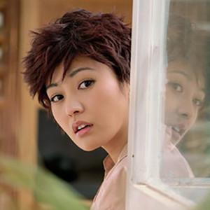 再回首(热度:35)由枫叶飘~~~~翻唱,原唱歌手郝蕾