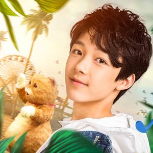 14岁的黄星羱也为电影演唱主题曲《喵喵喵》歌曲活泼明快,将小朋友的
