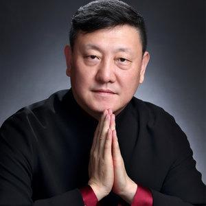 在此刻(热度:285)由晓晖翻唱,原唱歌手韩磊