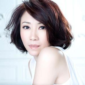 一个女孩名叫婉君(热度:15)由世外桃原翻唱,原唱歌手李翊君