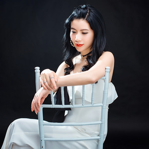 儿行千里妈牵挂(3D版)(热度:19)由开心果翻唱,原唱歌手倪尔萍