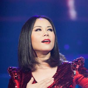 歌唱祖国(热度:12)由,英皇珍珠迪迪宝贝翻唱,原唱歌手郭蓉