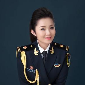 火火的中国(热度:192)由小燕翻唱,原唱歌手曾敏