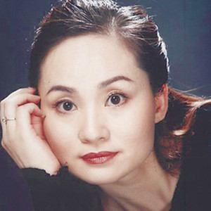 三滴血选段之祖籍陕西韩城县(热度:34)由小草翻唱,原唱歌手李梅