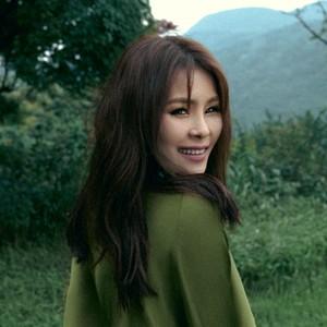 男人不该让女人流泪(Live)(热度:232)由Hamy翻唱,原唱歌手周蕙
