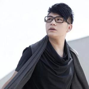同学情(热度:18)由淑8899翻唱,原唱歌手闫旭