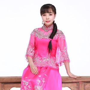 桃花红杏花白由丁汉表演唱(原唱:王二妮)
