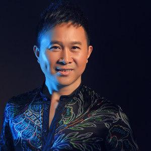 唱支山歌给党听(热度:148)由萍翻唱,原唱歌手金波