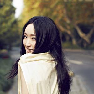 又见炊烟(热度:10)由美丽人生翻唱,原唱歌手杨钰莹