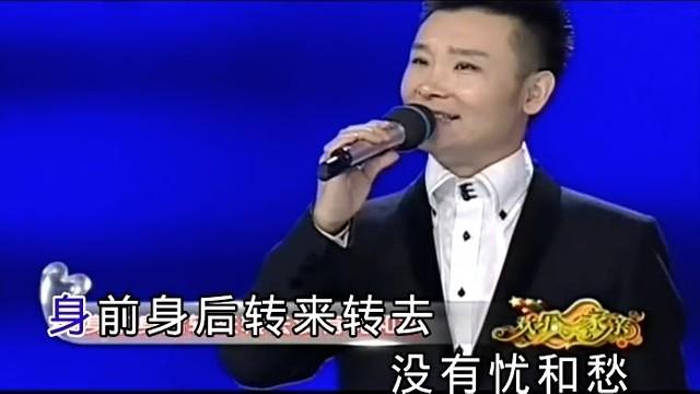 拉住妈妈的手(Live)(热度:72)由万籁坊主的恩惠翻唱,原唱歌手刘和刚