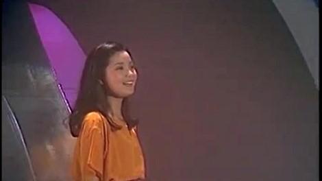 又见炊烟(Album Version)(热度:21)由小白兔翻唱,原唱歌手邓丽君