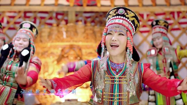 站在草原望北京(热度:13)由《纳兰战胜花翻唱,原唱歌手乌兰图雅
