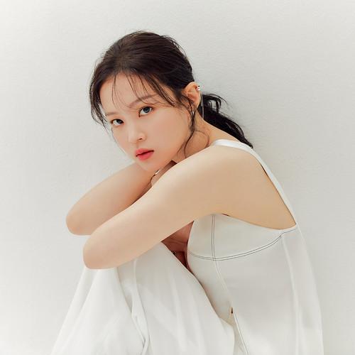 Download Lagu Lee Hi beserta daftar Albumnya