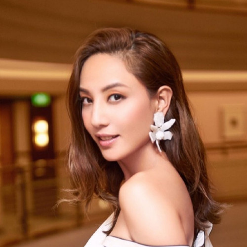 Yumiko Cheng (郑希怡)