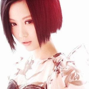 惊鸿舞(热度:62)由雪玲珑翻唱,原唱歌手姚贝娜
