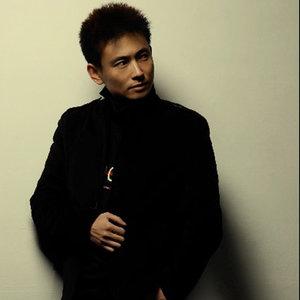 伤心的站台(热度:44)由陆林好汉翻唱,原唱歌手安东阳