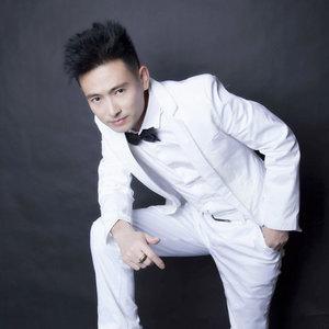 星月情缘(热度:61)由玫瑰翻唱,原唱歌手安东阳
