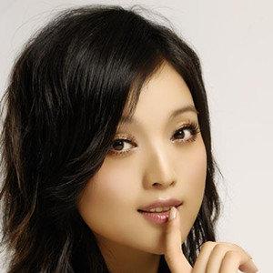 久别的人(热度:38)由天山雪莲云辉翻唱,原唱歌手白雪