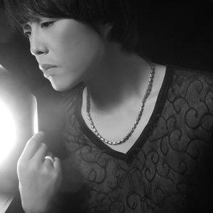 想你在这个夜里(热度:177)由锦毛鼠翻唱,原唱歌手赵鑫