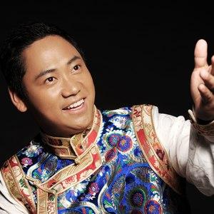 草原花夜月(热度:143)由悦扬小红翻唱,原唱歌手泽旺多吉