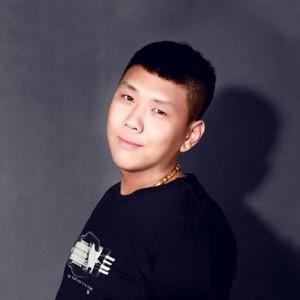 三轮车(热度:5455)由上帝的宠儿《退出》翻唱,原唱歌手谢小宇