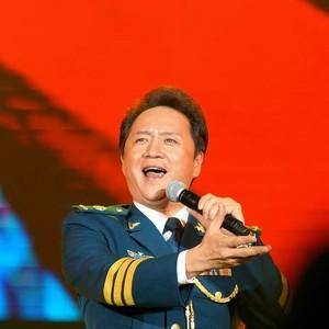 当那一天来临(热度:184)由童心是小鸟(声乐老师)翻唱,原唱歌手陈小涛