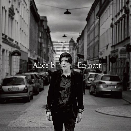 En natt 2012 Alice B
